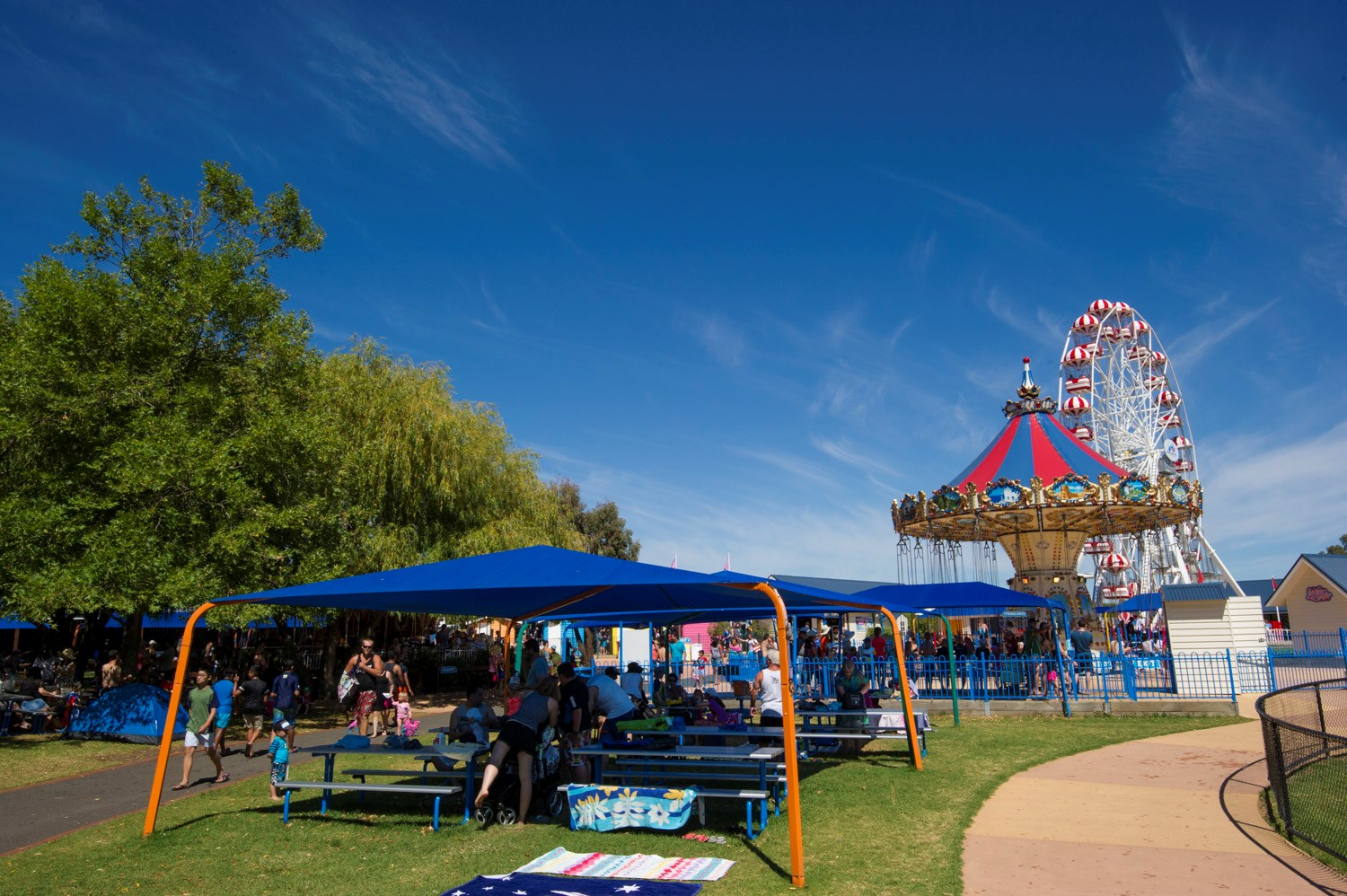 Wave Swinger Marquees